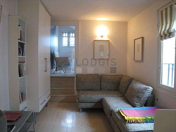 Séjour calme équipé de canapé, 1 fauteuil(s), 4 chaise(s)