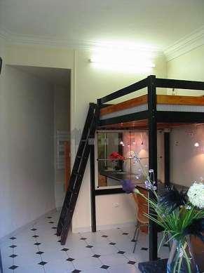 Séjour équipé de 1 lit(s) mezzanine de 140cm, téléviseur, penderie, placard