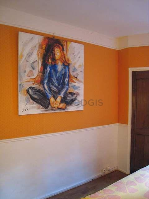 Location studio paris 6 rue monsieur le prince meubl for Location studio meuble paris 16
