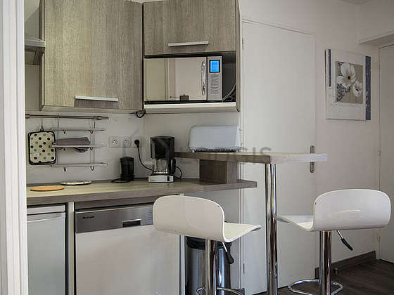 Kitchen where you can have dinner for 2 person(s) equipped with dishwasher, hob, refrigerator, freezer