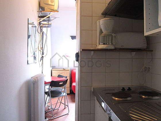 location studio paris 17 boulevard de courcelles meubl 14 m ternes p reire. Black Bedroom Furniture Sets. Home Design Ideas