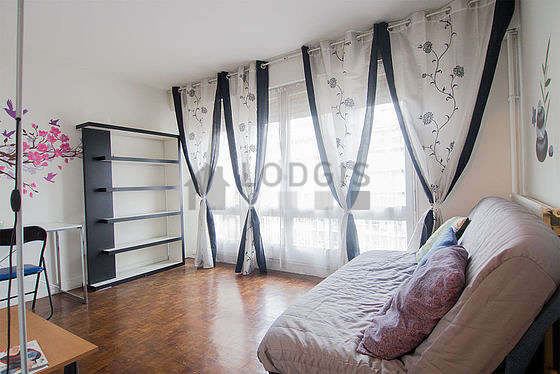 Quiet living room furnished with 1 sofabed(s) of 140cm, sofa, coffee table, 1 chair(s)