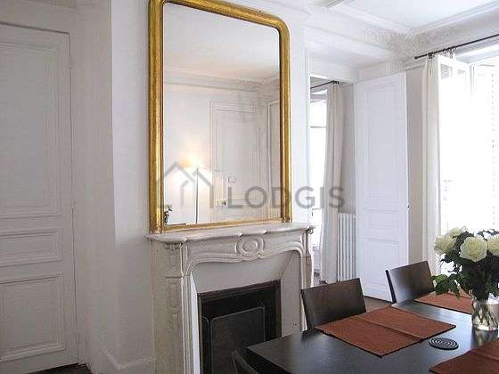 Dining room of 16m² equipped with dining table, 6 chair(s)