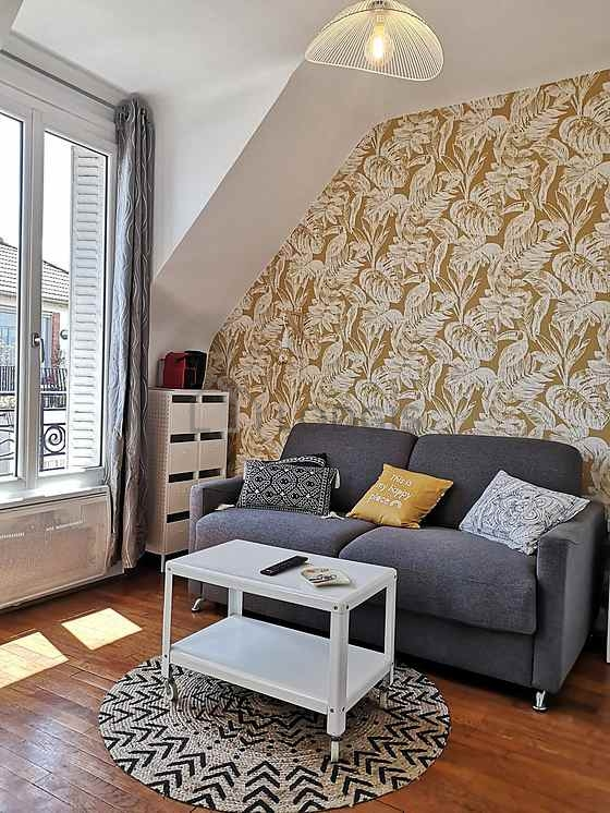 Location studio avec ascenseur et concierge paris 20 rue for Location meuble paris 16