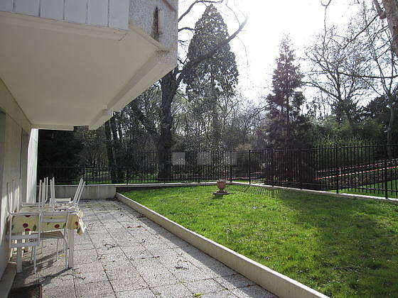Balcony facing due west and view on garden