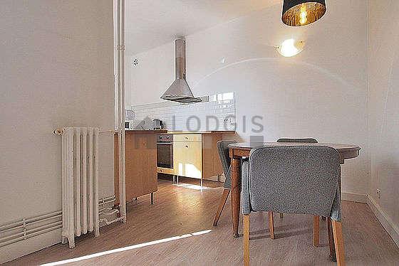 Magnifique cuisine de 5m² avec du parquet au sol