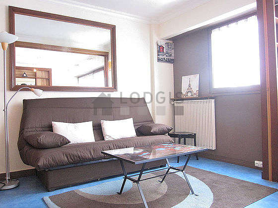Quiet living room furnished with 1 sofabed(s) of 140cm, tv, hi-fi stereo, 5 chair(s)