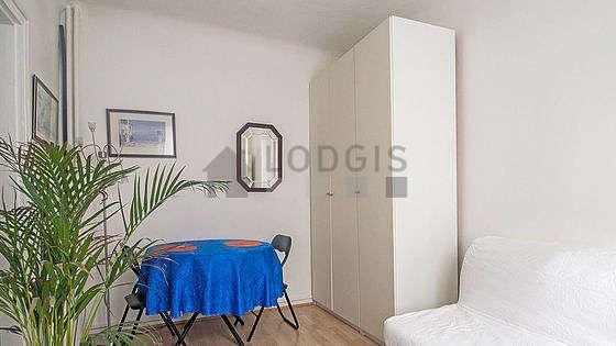 Location Studio Paris 19 Rue Janssen Meublé 21 M² Buttes Chaumont