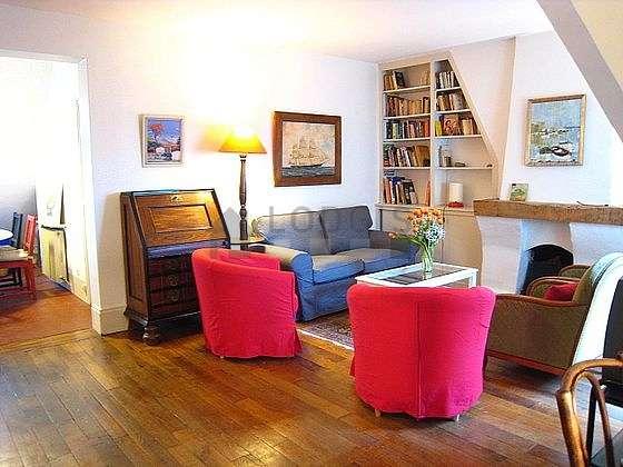 Séjour très calme équipé de téléviseur, 3 fauteuil(s), 1 chaise(s)