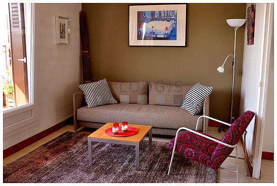 Séjour calme équipé de 1 canapé(s) lit(s) de 140cm, télé, chaine hifi, 1 fauteuil(s)