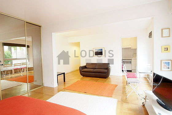 Beau séjour calme et lumineux d'un appartement à Paris