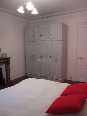 Chambre calme pour 1 personnes équipée de 1 lit(s) jumeaux de 80cm