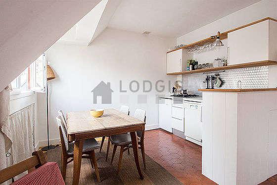 Magnifique cuisine de 4m² avec des tomettes au sol