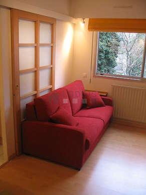 Séjour très calme équipé de 1 lit(s) armoire de 140cm, télé, chaine hifi, 1 fauteuil(s)