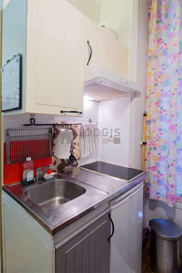 Beautiful kitchen of 2m² with wooden floor