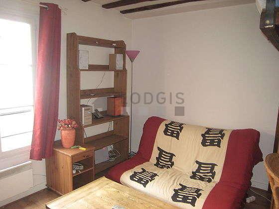 Séjour très calme équipé de 1 futon(s) de 140cm, 1 lit(s) mezzanine de 140cm, télé, chaine hifi