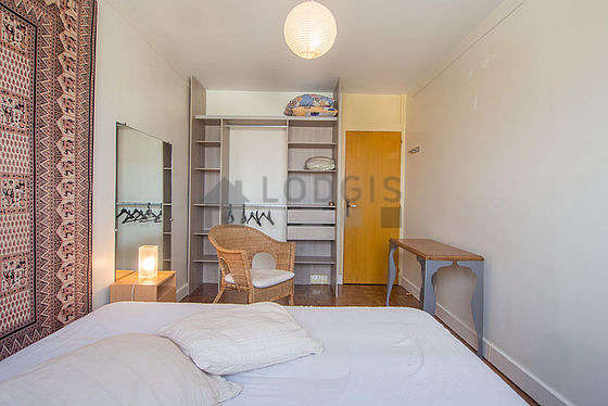 Quiet bedroom for 2 persons equipped with 1 bed(s) of 120cm