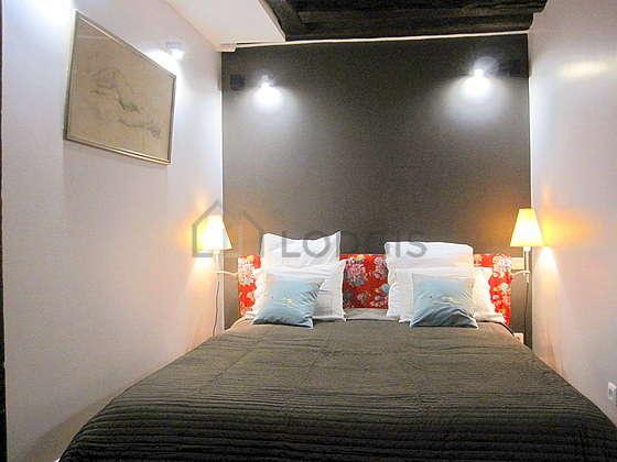 Duplex Paris 3° - Chambre