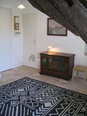 Living room with linoleum floor