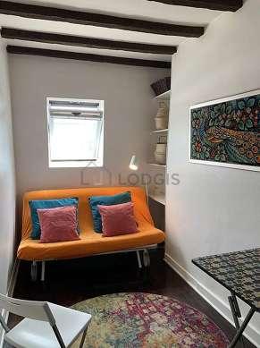 Séjour calme équipé de 1 canapé(s) lit(s) de 160cm, téléviseur, chaine hifi, penderie