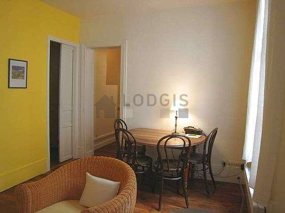 Séjour très calme et très lumineux d'un appartement à Paris