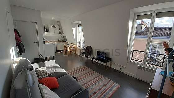 Séjour très calme équipé de 1 canapé(s) lit(s) de 140cm, téléviseur, chaine hifi, 1 fauteuil(s)