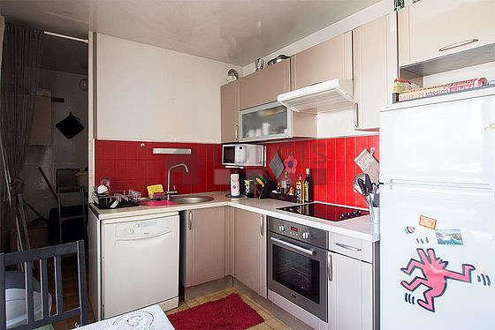 Cuisine dînatoire pour 3 personne(s) équipée de lave linge, sèche linge, réfrigerateur, freezer