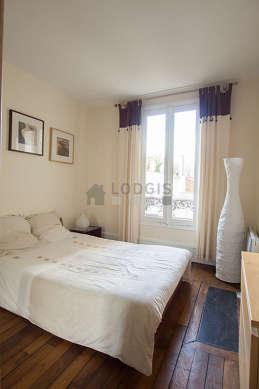 Chambre calme pour 2 personnes équipée de 1 futon(s) de 140cm