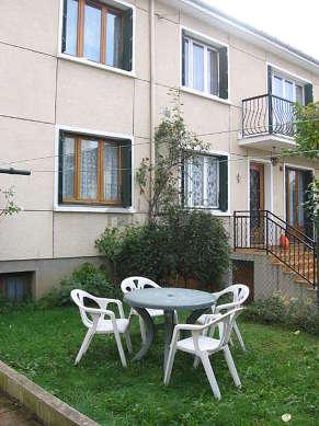 Jardin équipé de table à manger, 4 chaise(s)