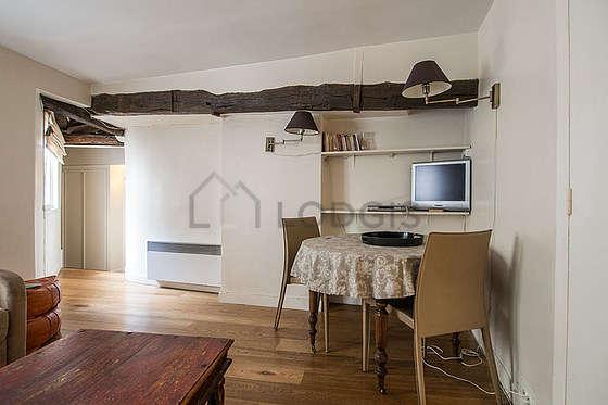 Location appartement 1 chambre paris 4 rue du roi de for Appartement meuble paris long sejour