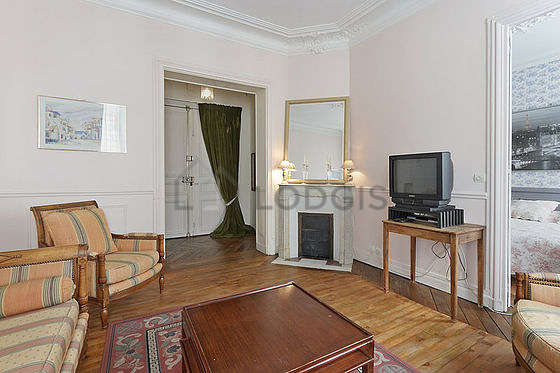 Living room furnished with 1 sofabed(s) of 140cm, tv, 2 armchair(s)