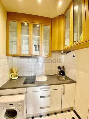 Great kitchen of 3m² with its tile floor