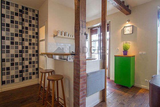 Beautiful kitchen of 4m² with floor tiles floor