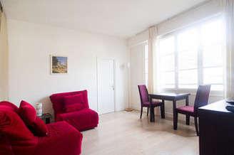 Luxembourg Paris 6° studio with alcove