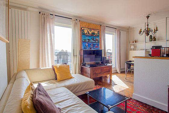 Location meubl e 1 chambre rue des deux gares paris 10 for Appartement meuble paris long sejour