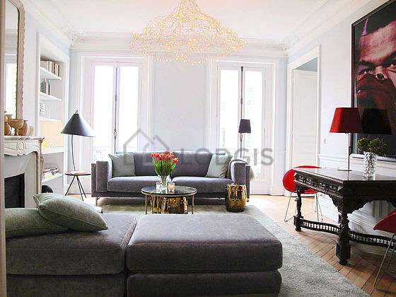 Living room furnished with 1 sofabed(s) of 140cm, tv, hi-fi stereo, 2 chair(s)