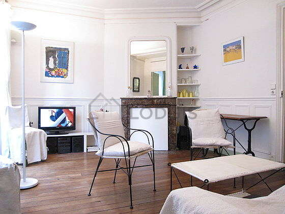Quiet living room furnished with 1 sofabed(s) of 120cm, tv, hi-fi stereo, 4 chair(s)