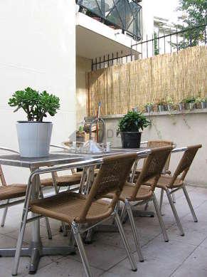 Terrasse équipée de table à manger, 8 chaise(s)