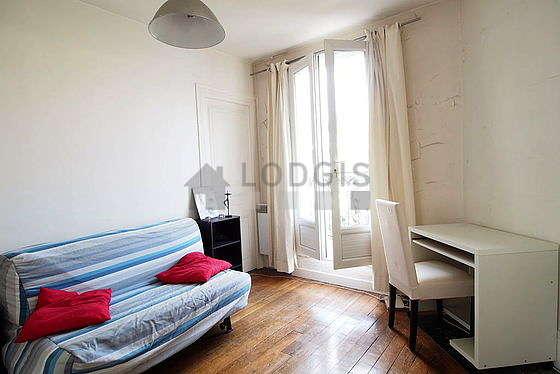 Séjour très calme équipé de 1 canapé(s) lit(s) de 140cm, 2 fauteuil(s)