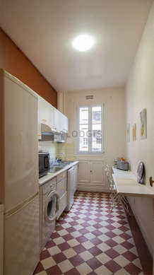Beautiful kitchen of 7m² with tile floor