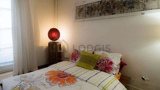 Quiet living room furnished with 1 bed(s) of 140cm, 1 sofabed(s) of 140cm, tv, 1 armchair(s)