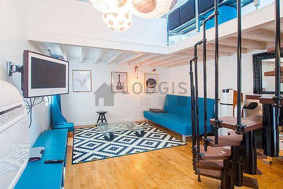 Séjour très calme équipé de 1 canapé(s) lit(s) de 140cm, air conditionné, téléviseur, chaine hifi