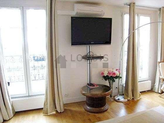 Séjour très calme équipé de 1 canapé(s) lit(s) de 140cm, air conditionné, téléviseur, lecteur de dvd