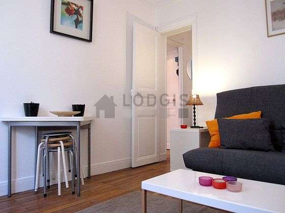 Quiet living room furnished with 1 sofabed(s) of 140cm, tv, hi-fi stereo, 2 chair(s)