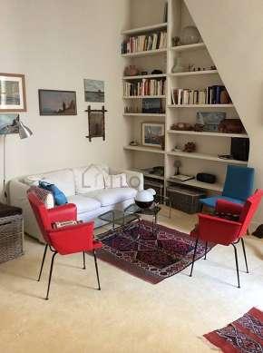Séjour calme équipé de 1 lit(s) de 120cm, 1 canapé(s) lit(s) de 140cm, téléviseur, 3 fauteuil(s)