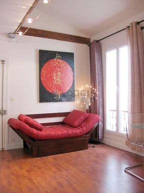 Séjour très calme équipé de 1 lit(s) mezzanine de 140cm, téléviseur, chaine hifi, penderie