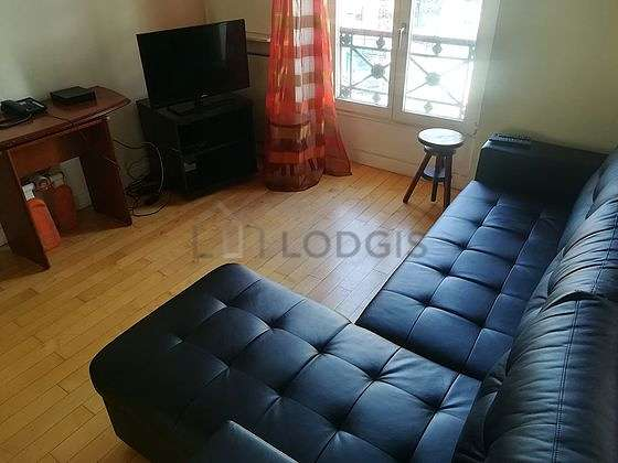Large living room of 25m²