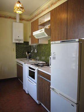 Cuisine dînatoire pour 2 personne(s) équipée de lave linge, réfrigerateur, vaisselle