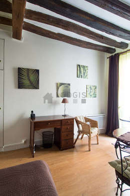 Location meubl e studio rue vieille du temple paris 4 for Appartement meuble paris long sejour