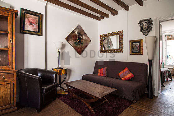 Very quiet living room furnished with 1 sofabed(s) of 130cm, tv, dvd player, 3 armchair(s)